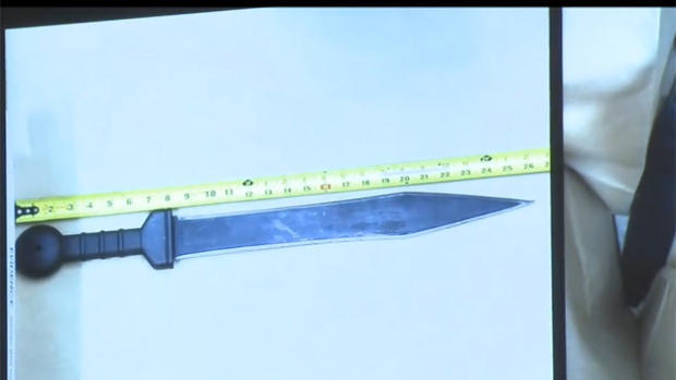 170322-CBS-新纽约中城刺伤,knife.jpg
