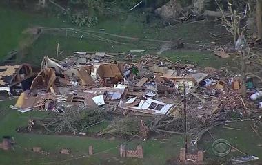 Powerful tornadoes, flash floods strike Texas