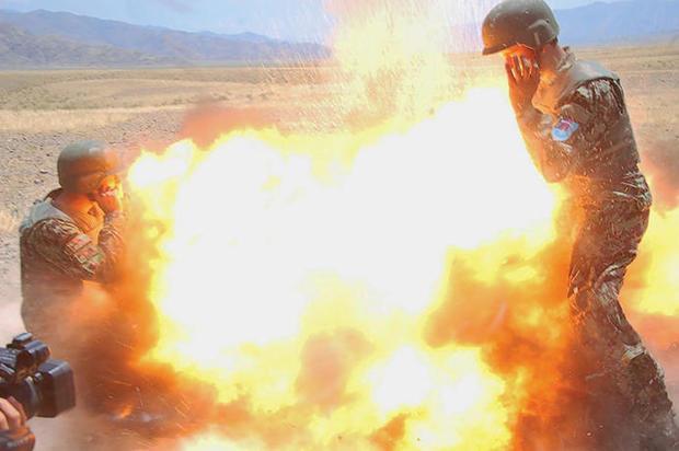 170503-us-army-hilda-clayton-explosion-02.jpg