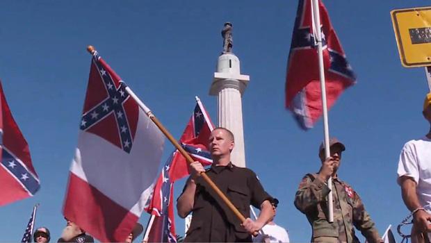 诺拉同盟者,雕像抗议造反-标志-620.jpg