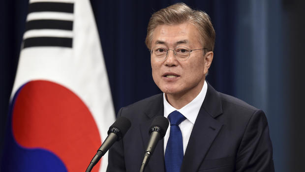 South Korea's prez scraps state textbooks to 'normalise history education'