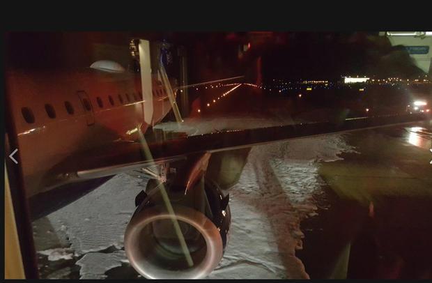 泡沫JetBlue航空公司紧急着陆,鸟击,051717.jpg