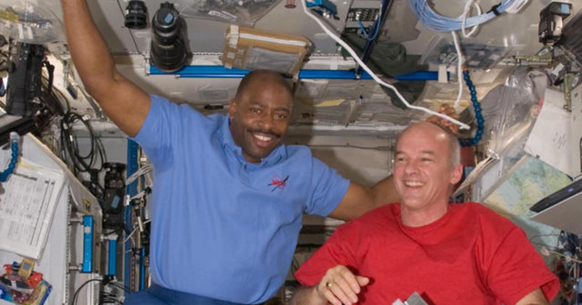 Astronaut Leland Melvin on his path from NFL to NASA ...