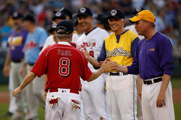 2017-06-16t010027z-129809177-rc1cf4f70120-rtrmadp -3-弗吉尼亚拍摄棒球game.jpg