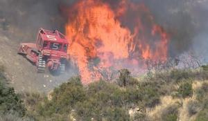 Intense heat adds to western wildfire outbreaks