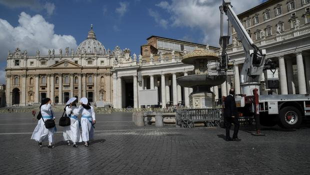 Pope shuts off fountains amid drought