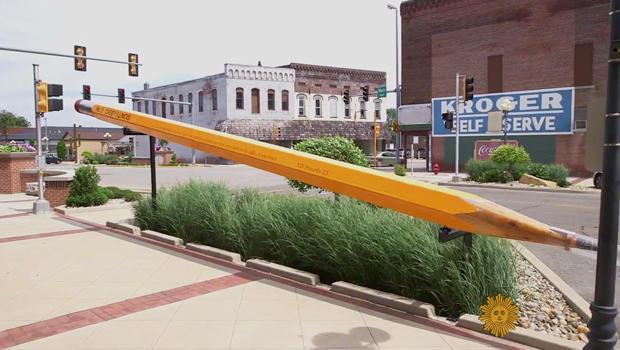 凯西 - 伊利诺斯州巨型铅笔620.jpg