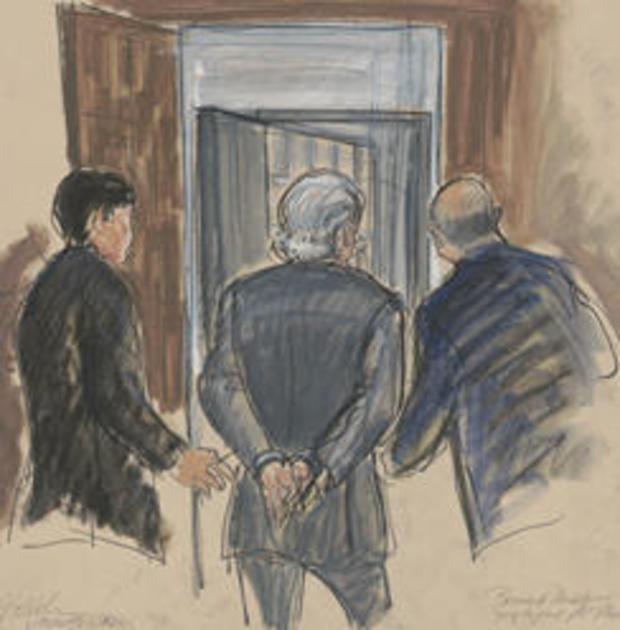 法庭草图 - 伯尼 - 麦道夫在手铐 - 威廉姆斯 -  244.jpg