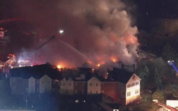 消防队员,战斗,大规模,闪耀在 - 巴克利 - 朋友 - 高级 - 生活社区 - 外 - 费城 - 上 -  111617.jpg