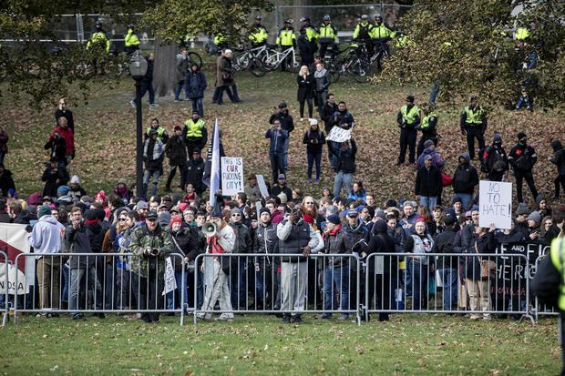 Alt-Right组织的自由言论事件在波士顿遇到反抗议