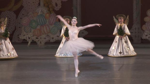 nutcracker-tiler-peck-dance-of-the-sugar-plum-fairy-620.jpg