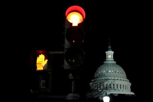 美国国会大厦在政府关闭后不久就出现了