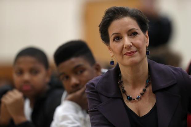 奥克兰市长Libby Schaaf与学童讨论美国宪法