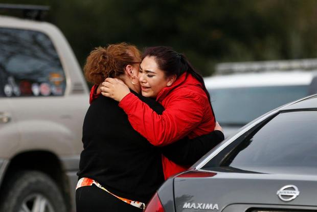 在加利福尼亚州扬特维尔的退伍军人家中射击的人质情况和报告