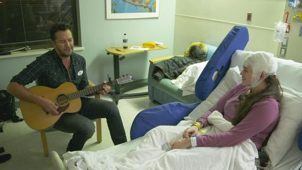 音乐家,随叫随到,卢克 - 布莱恩 - 与患者-620.jpg