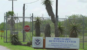 Feds release plan to reunite families