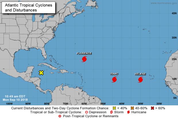 国家飓风中心制作的地图显示,截至2018年9月10日东部时间上午11点,大西洋有三次活跃的风暴。