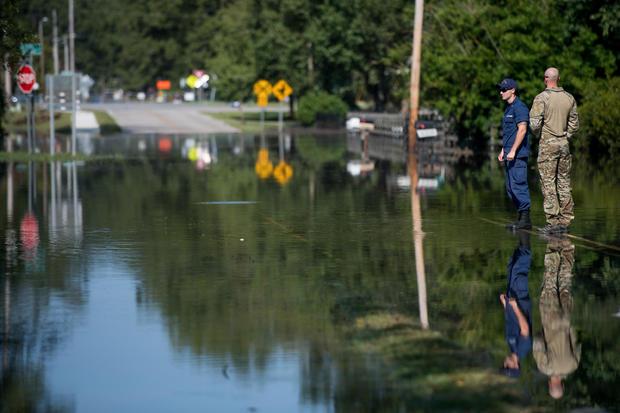 飓风佛罗伦萨的洪水开始淹没南卡罗来纳州的部分地区