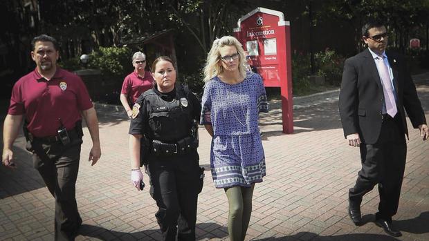 威廉姆斯 - 丹尼斯 -  arrest.jpg