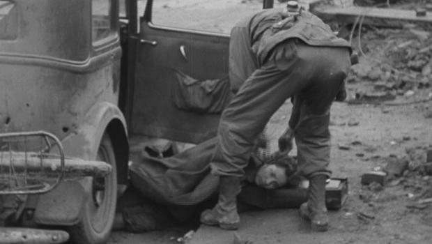 卡塔琳娜咝声,后她的车,被击中按炮火 - 在科隆,德国620.jpg