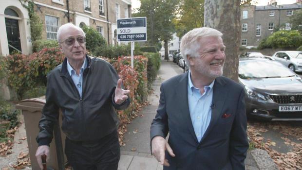 迈克尔·凯恩与 - 标记 - 菲利普斯走在伦敦-620.jpg