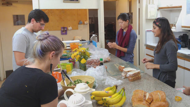 无家可归,大专准备餐点,在最同学-4-学生候车亭功能于圣 - 莫尼卡-CA-620.jpg
