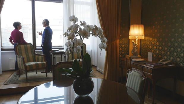 利兹-帕 - 和 - 阿莫尔-towles-在最大都会合莫斯科620.jpg