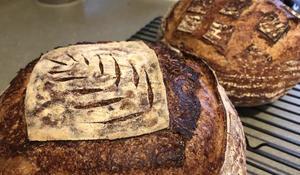 baking-bread-b-620.jpg