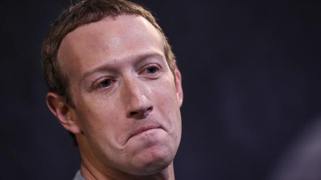 Facebook CEO Mark Zuckerberg And News Corp CEO Robert Thomson Debut Facebook News