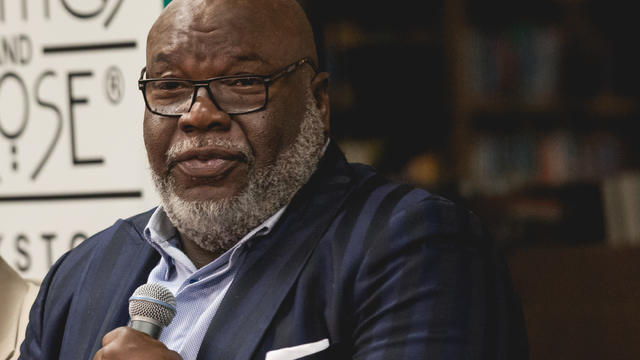 tdjakes-replace-613775-640x360.jpg