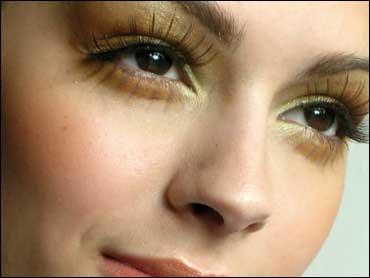 8dc09c34e36 Eyeing the Perfect Lashes - CBS News