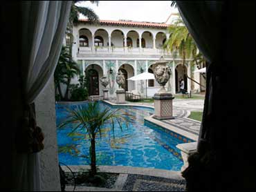 Versace Mansion Begins Tours Cbs News