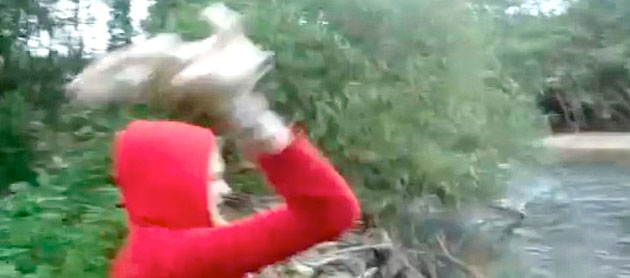 Girl Throws Puppies In River In Video 4chan Users On The Hunt Cbs