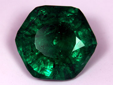 65 Carat Emerald Pulled From N C Farm Cbs News