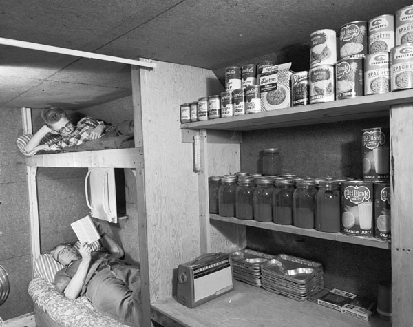When home fallout shelters were all the rage photo 1 for Household shelter design
