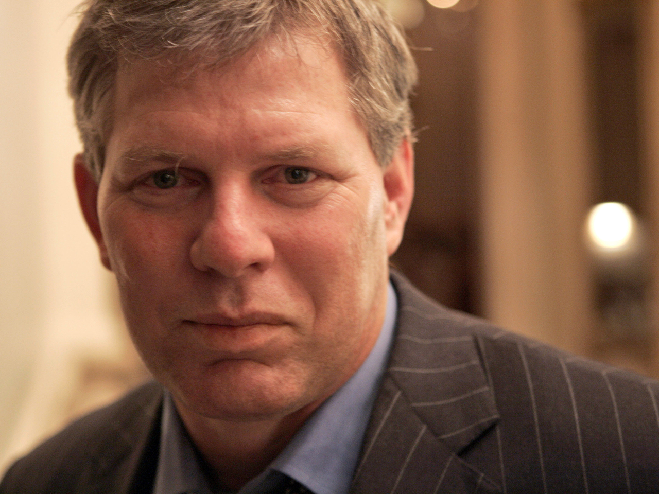 Lenny Dykstra charged with embezzling - CBS News