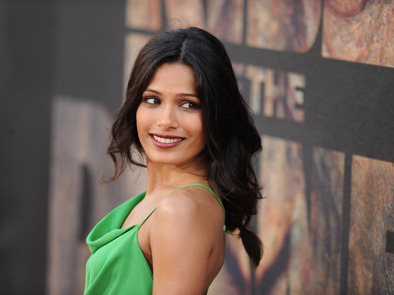 "Freida Pinto, ""Rise of the Planet of the Apes"" cast, step ..."