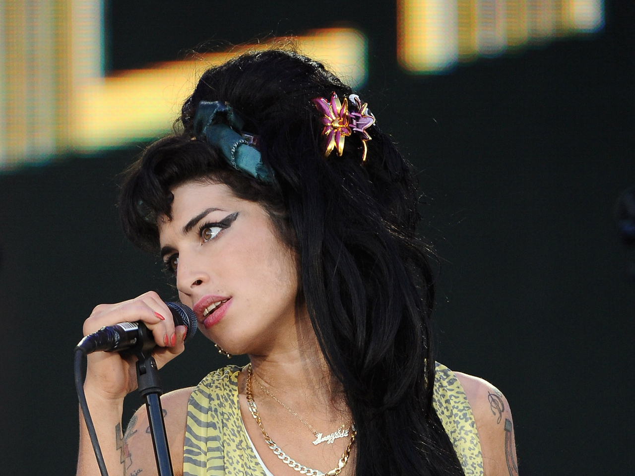 Amy Winehouse and Tony Bennett duet to be released - CBS News