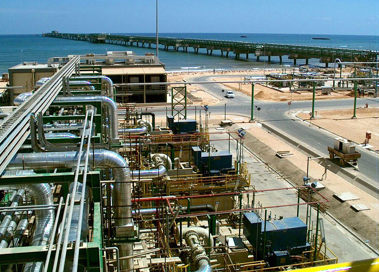 Foreign oil, gas firms returning to Libya - CBS News