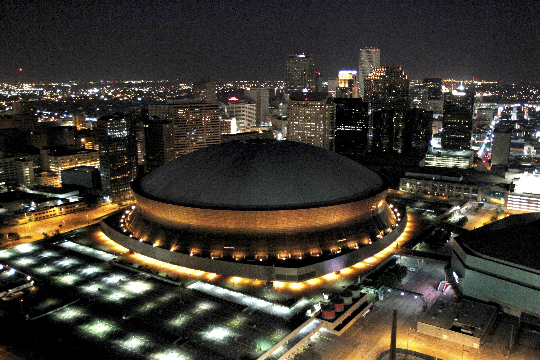 Saints stadium renamed mercedes benz superdome cbs news for Hotels near mercedes benz superdome new orleans la