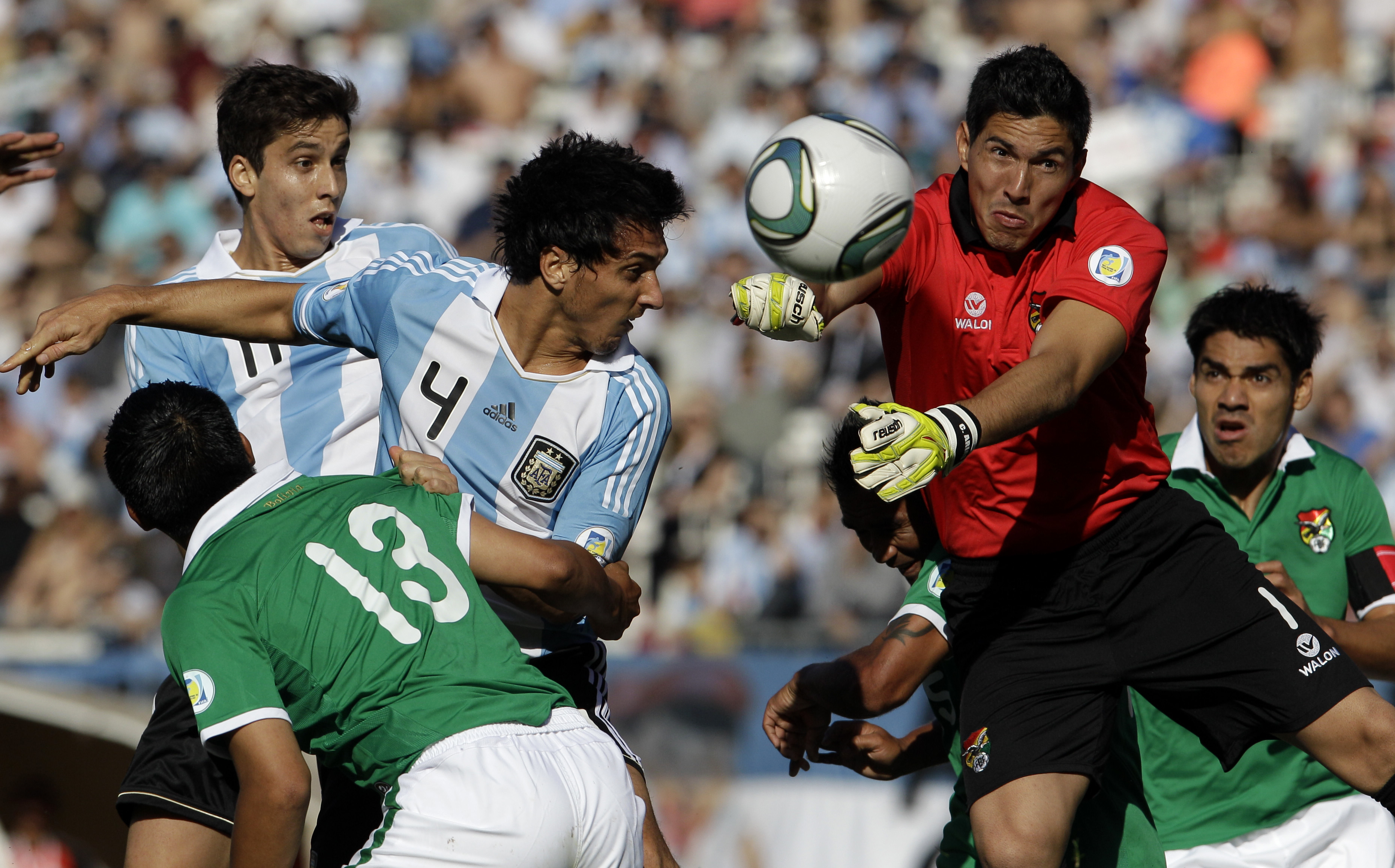 Can Soccer Headers Cause Brain Damage >> Soccer Study Ties Heading To Brain Damage Cbs News