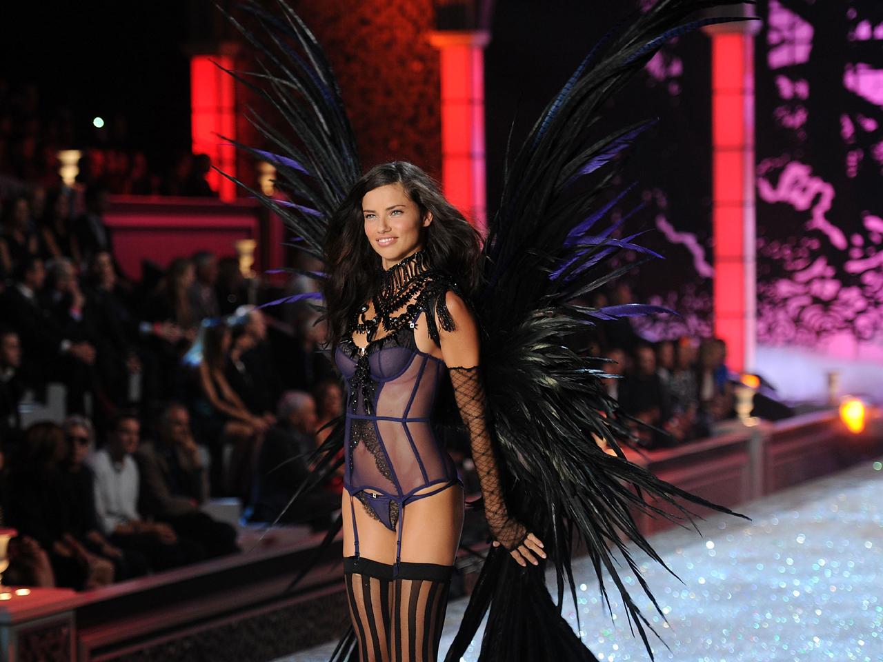 bfdcb6346546b Victoria's Secret Fashion Show: Miranda Kerr, Adriana Lima and other ...