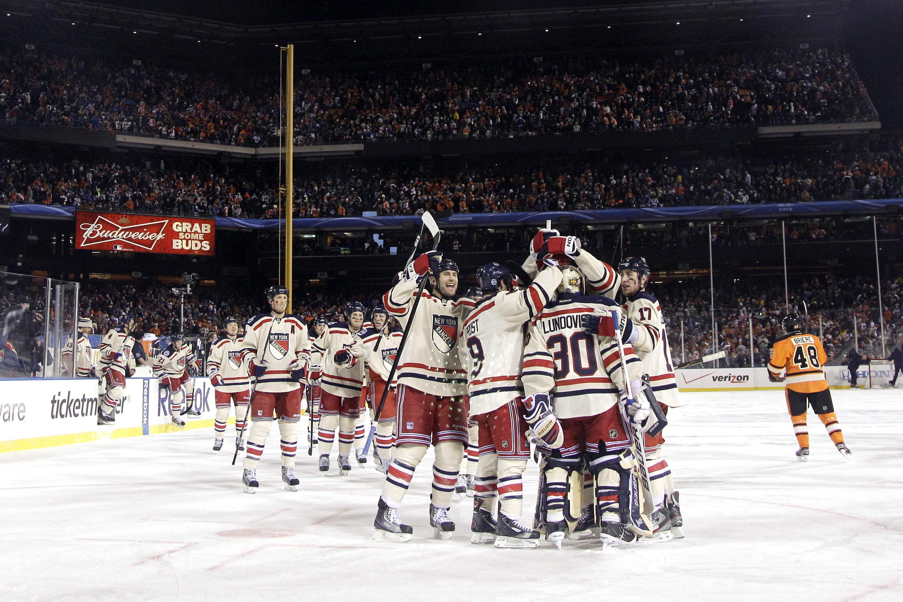 Winter Classic  Rangers rally to beat Flyers 3-2 - CBS News e1364ce29