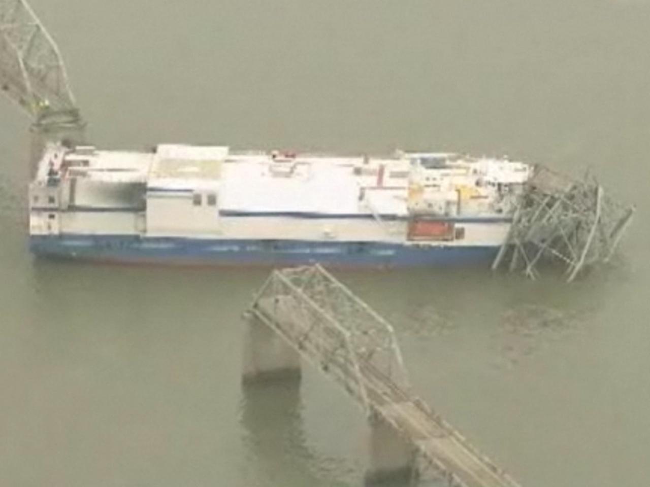 Ship hauling rocket parts smashes into Ky  bridge - CBS News