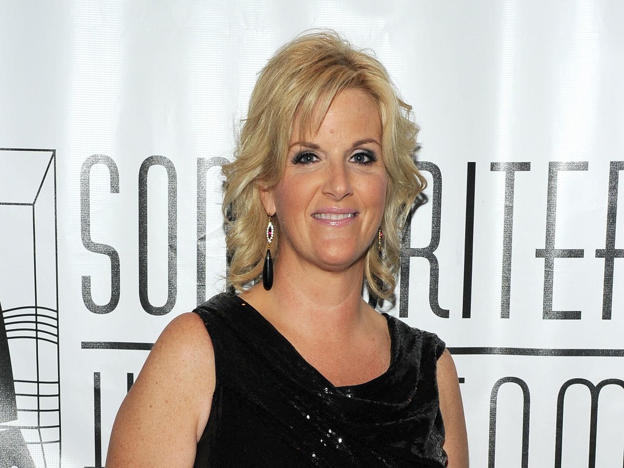 Trisha Yearwood Whips Up Trisha S Southern Kitchen Cbs News