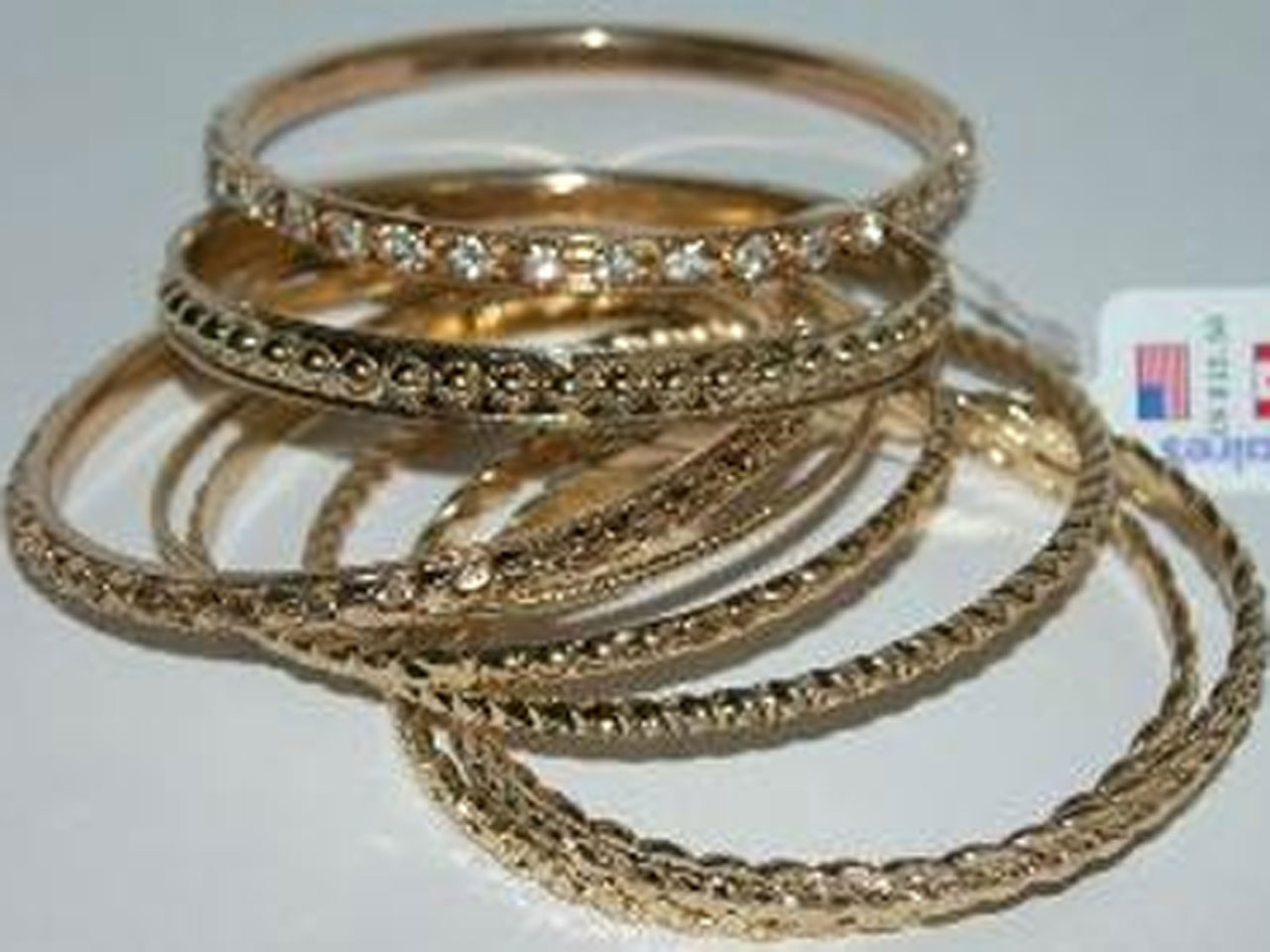 b375650ef2 Costume jewelry found to have high levels of toxins and carcinogens, tests  show