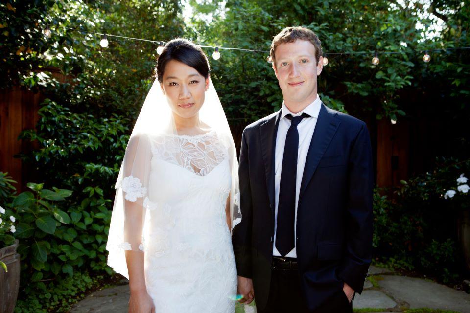 Facebook's Mark Zuckerberg marries Priscilla Chan - CBS News
