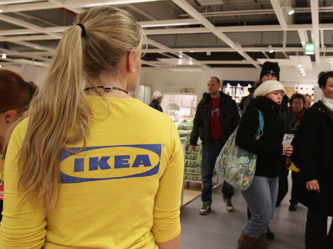 ikea to invest 1 2b in india to open 25 stores cbs news. Black Bedroom Furniture Sets. Home Design Ideas