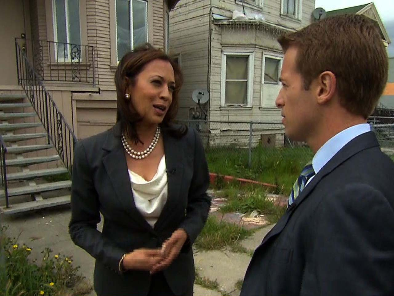 Calif Attorney General Kamala Harris Fights For Struggling Homeowners Cbs News