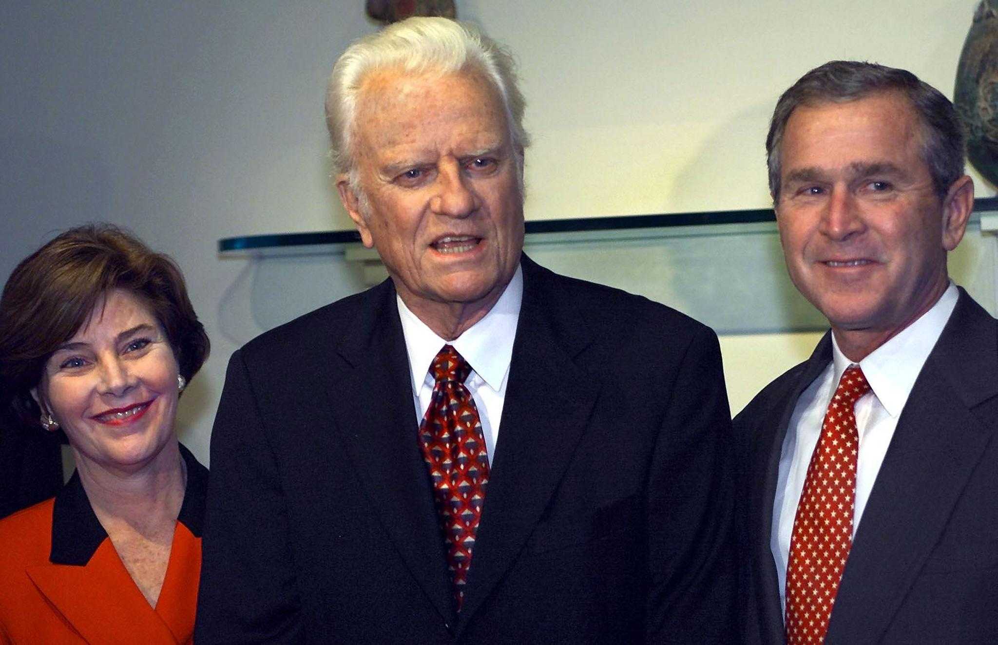 Billy Graham: Political world reacts to his death - CBS News